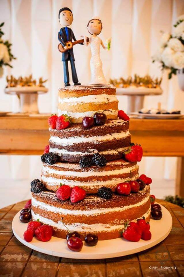 Bolo de Casamento tipo Naked Cake