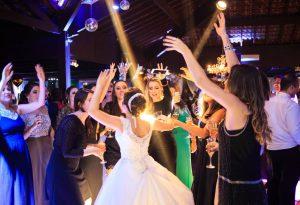 Dicas para escolher o DJ do seu casamento